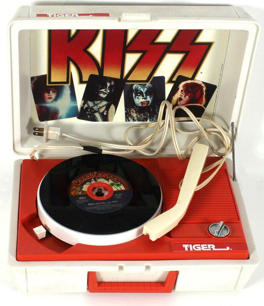 Tiger Electronics Kiss Record Player