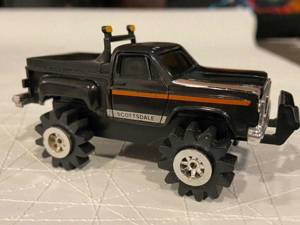 Schaper Toys Stomper 4x4 Chevy Scottsdale