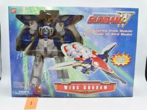 Bandai 2000 Mobile Suit Gundam Wing Deluxe Transforming Wing Gundam
